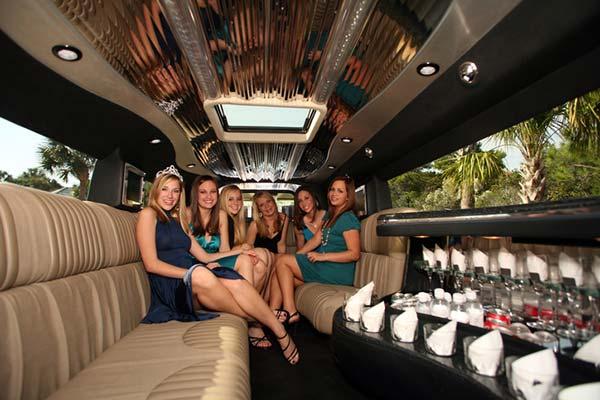 Prom Limousine Service | Classique Limousines
